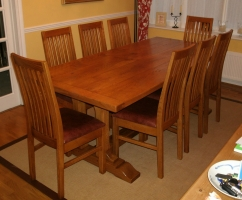 Twin Column Table with Tendency chairs