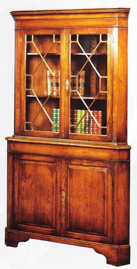 Oak Corner Cabinet - glazed top