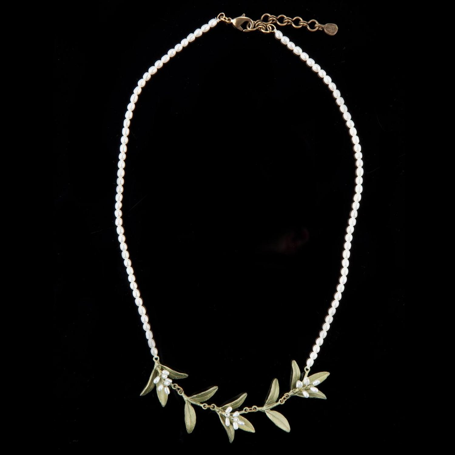 Flowering Myrtle Pearl Necklace